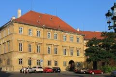 Die historische Mitte von Prag, Tschechische Republik morgens ohne Leute lizenzfreie stockfotos