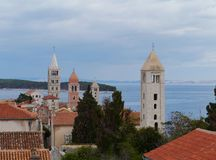 Die historische Stadt Rab in Kroatien Lizenzfreie Stockbilder