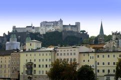 Die Hohensalzburg-Festung in Salzburg ist die kompletteste Festung von den mittelalterlichen Zeiten, die in Europa verlassen wird stockfoto