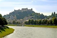 Die Hohensalzburg-Festung in Salzburg ist die kompletteste Festung von den mittelalterlichen Zeiten, die in Europa verlassen wird lizenzfreie stockfotografie