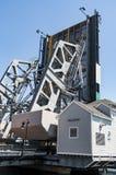 Die ikonenhafte Zugbrücke im Mystiker, Connecticut , USA lizenzfreie stockfotos