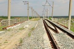 Die inaktiv eingleisige Eisenbahn überholen Lizenzfreie Stockbilder