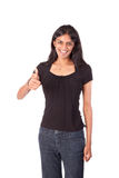 Die indische Frau, die Daumen herstellt, up Geste Lizenzfreie Stockfotos