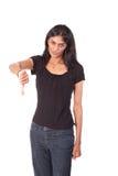 Die indische Frau, die Daumen kennzeichnen herstellt unten Lizenzfreies Stockfoto