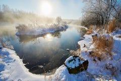 Die Insel und der Nebel im Fluss Stockfotografie