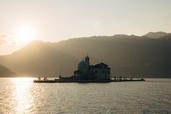 Die Insel von Gospa Od Skrpjela, Kotor-Bucht, Montenegro Stockfotografie