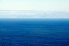 Die Insel von Santiago in Meer Lizenzfreies Stockbild