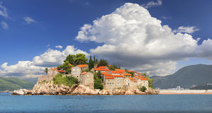 Die Insel von Sveti Stefan montenegro stockfotografie