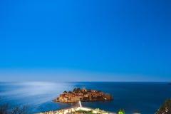 Die Insel von Sveti Stefan nachts Adria Se das Montenegro-, Lizenzfreies Stockfoto