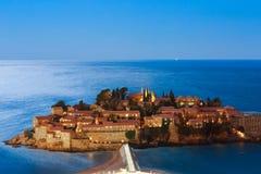 Die Insel von Sveti Stefan nachts Adria Se das Montenegro-, Lizenzfreie Stockfotos
