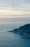 Die Insel zu den Sonnenuntergangzeiten stockbild