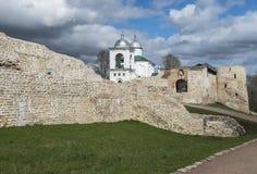 Die Izborsk-Festung Stockfotos