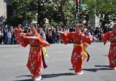 Die japanischen Teilnehmer der Parade. Stockfotografie