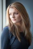 Die junge Blondine Stockfoto