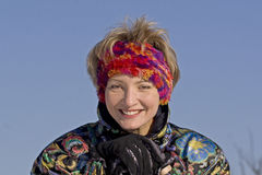 Die junge Frauen- und Skisteuerknüppel Stockbilder