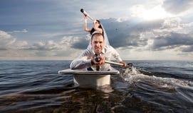Die Jungvermählten sind in der Badreise Stockfoto