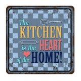 Die Küche ist das Herz des rostigen Metallschildes der Hauptweinlese Lizenzfreie Stockfotografie