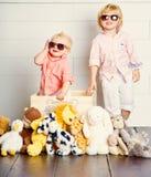 Die kühlen Kinder lizenzfreie stockbilder