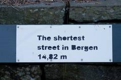 Die kürzeste Straße in Bergen 14 82 Meter, Norwegen Stockbilder