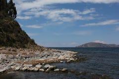 Die Küste der Insel von Taquile stockfoto
