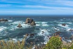 Die Küste entlang Fort Bragg, Kalifornien stockfotos