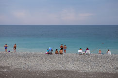 Die Küste Schwarzen Meers in Adler Lizenzfreie Stockbilder