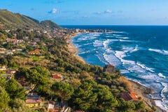 Die Küstenlinie von Acciaroli Stockfoto