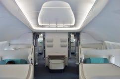 Die Kabine der ersten Klasse eines Flugzeuges Korean Airlines KE Boeing 747-8 Stockfoto