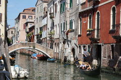 Die Kanäle von Venedig lizenzfreies stockbild