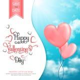 Die Karte des Valentinsgrußes mit Herz-förmigen Ballons im Himmel Lizenzfreie Stockfotos