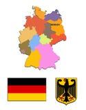 Die Karte und die Arme von Deutschland Stockfotos