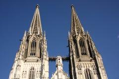 Die Kathedrale in Regensburg lizenzfreie stockfotos