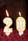 die Kerzen des 20. Geburtstages Stockbilder