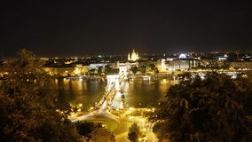 Die Ketten-Brücke in Budapest stock video