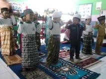 Die Kindergartenmoslemkinder Stockbilder