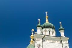 Die Kirche von Christs-Auferstehung auf Hintergrund des blauen Himmels in Foros, Jalta lizenzfreie stockfotografie