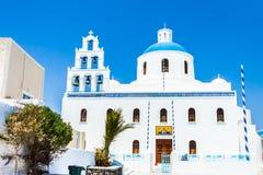 Die Kirche von Panagia Platsani in Oia-Dorf auf Santorini stockfotografie