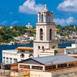 Die Kirche von San Francisco in altem Havana stockbilder