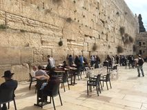 Die Klagemauer, die Klagemauer oder das Kotel ist in der alten Stadt von Jerusalem am Fuß der Westseite des Tempelbergs Lizenzfreie Stockfotos