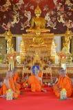 Die Klassifikations-Zeremonie eines Mönchs bei Wat Bang Pai in Nonthaburi, Thailand Lizenzfreies Stockfoto