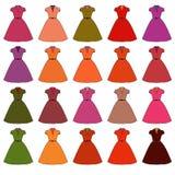 Die Kleider der Frauen von verschiedenen Farben raster Stockbild
