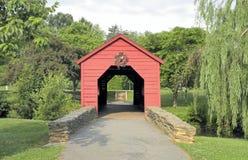 Die kleine rote Brücke! Stockbilder