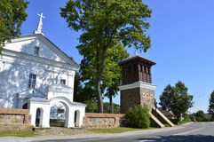 Die Kleinstadtkirche lizenzfreies stockbild