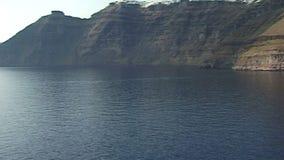 Die Klippen von Santorini im Ägäischen Meer Griechenland stock video