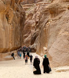 Die 1 2km langer Weg (wie-Siq) zur Stadt von PETRA, Jordanien Stockfotografie
