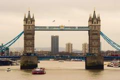 Die Kontrollturmbrücke in London Stockfotografie