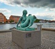 Die Kopie von Anne Marie Carl-Nielsen-` s Meerjungfrau in Kopenhagen stockfotos
