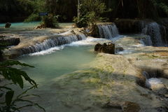 Die Kuangsi-Wasserfälle Stockfotos
