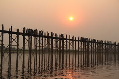 Die längste Teakholzbrücke U-Bein in Mandalay Birma, Myanmar lizenzfreies stockfoto