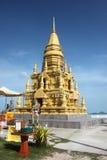 Die Lamé-so Pagode mit Budda-Statuen auf der Straße 4170 in Koh Samui in Thailand Lizenzfreie Stockfotografie